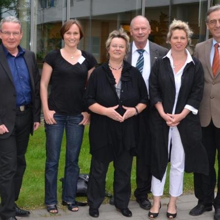 Familie & Beruf Mai 2012