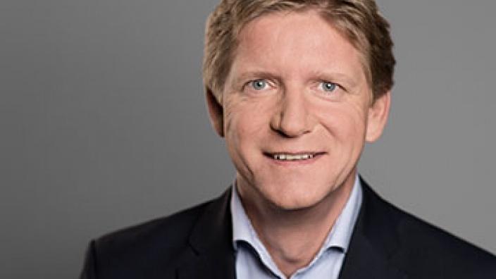 Dr. Bernd Benser
